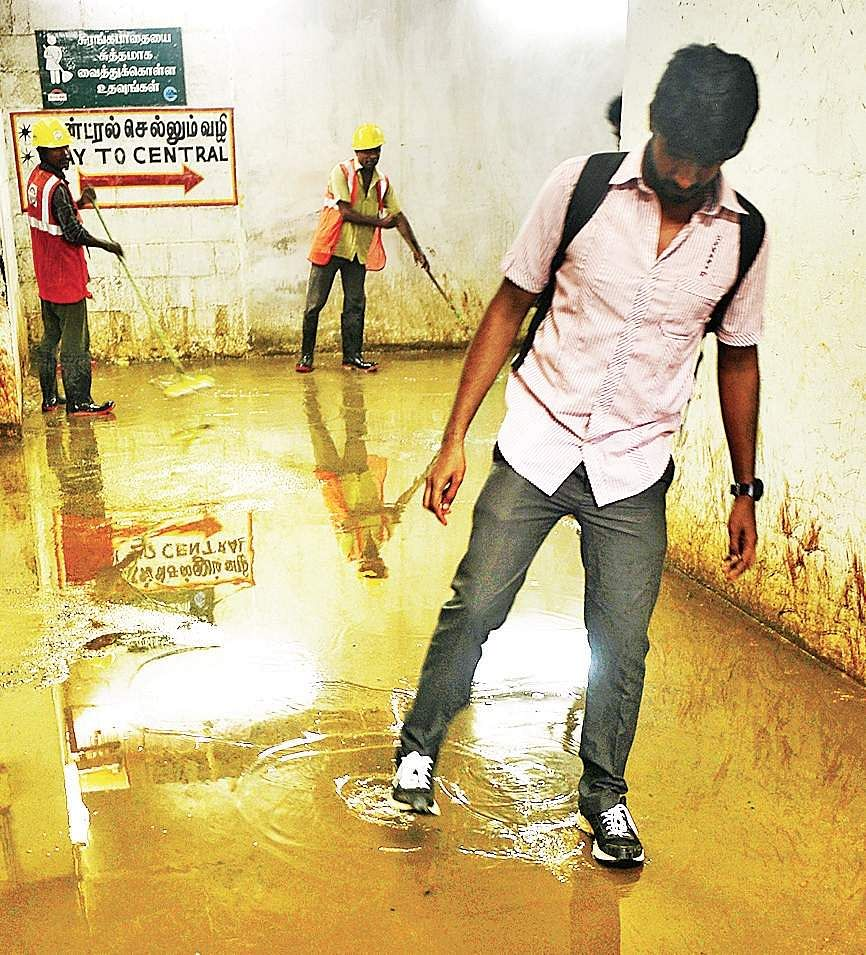 Rains lash coastal TN, schools remain shut