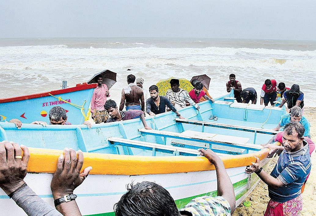 Defence Minister meets cyclone Ockhi-hit families in Kerala