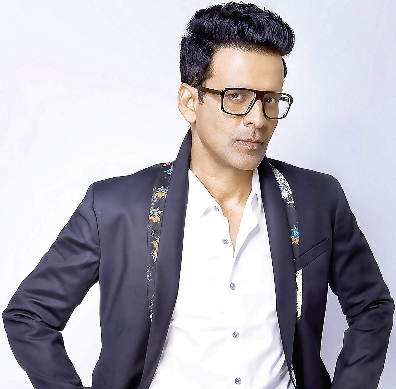 Manoj bajpayee pays back to his hometown- The New Indian ...
