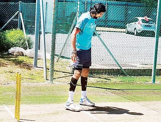 Ahead of Centurion Test, Virat Kohli's men visit India House in Johannesburg