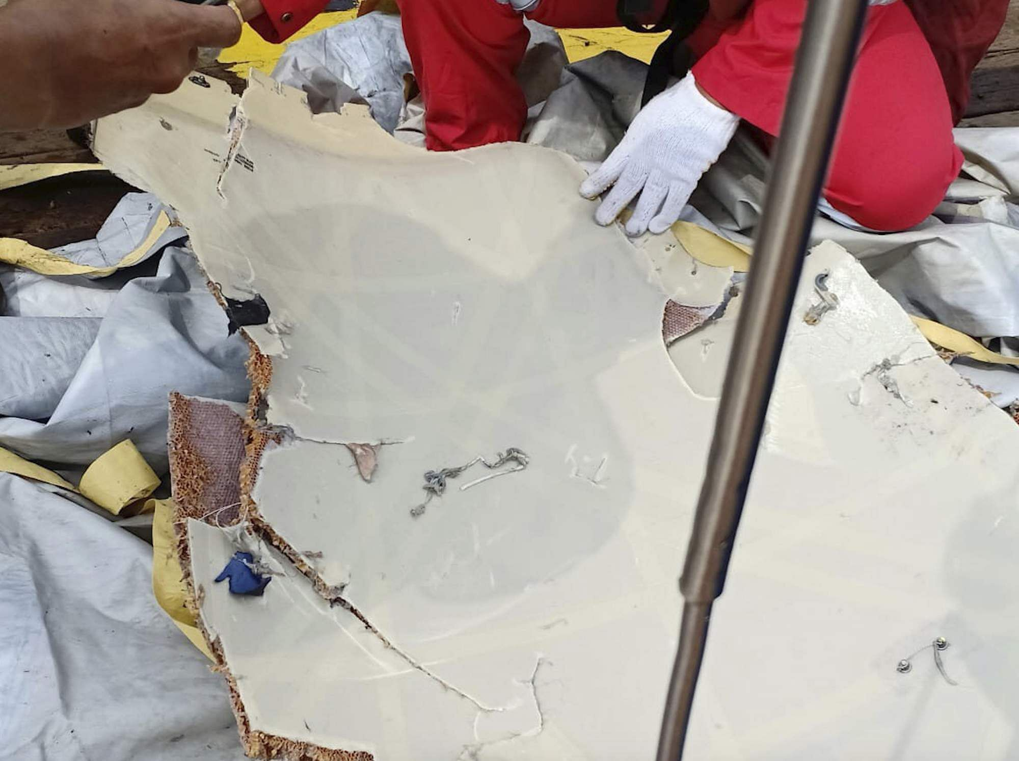 Indonesia Lion Air Plane Crash Updates Pope Offers Condolences To Crashed Aircraft Beacon In This Photo Released By Indonesian Disaster Mitigation Agency Bnpb A Rescuer Inspects Debris Believed Be From Passenger Jet That Off