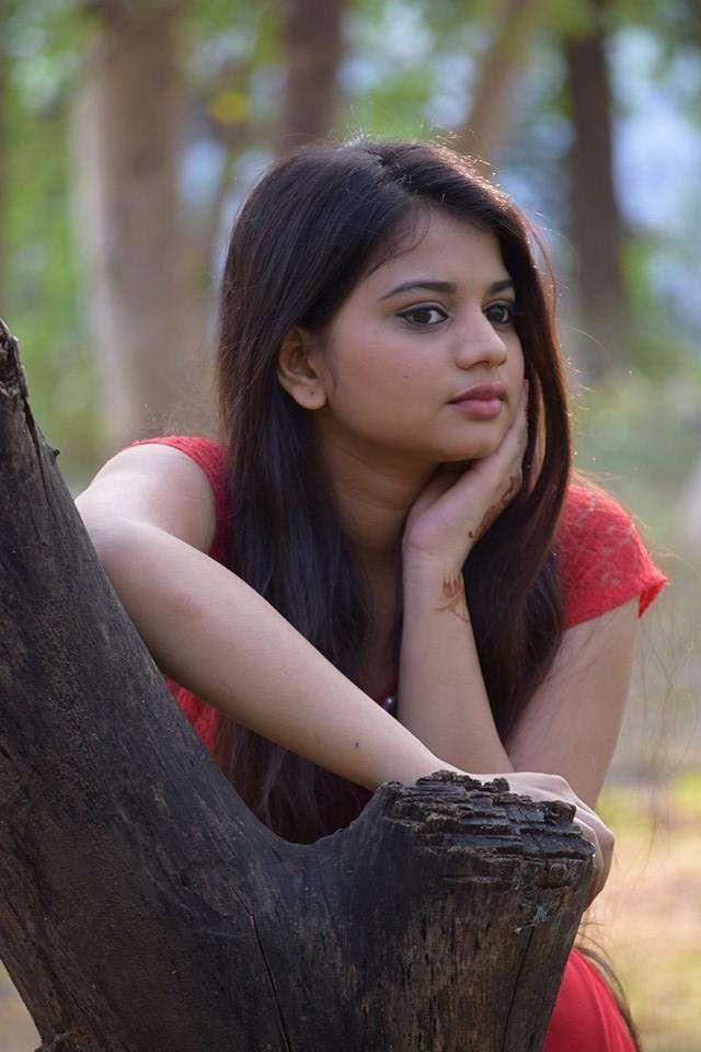 I'm a talented Telugu Ammayi, hai dum kisi mein to cast me