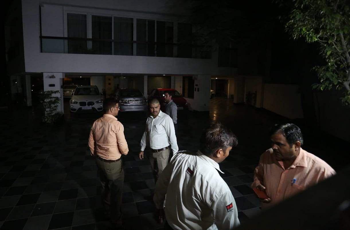 ED team reach Senior Congress leader P. Chidambaram residence on INX Media case in New Delhi on Tuesday. (Photo: Shekhar Yadav / EPS)