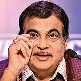 Decision making ability lacking in govt: Gadkari