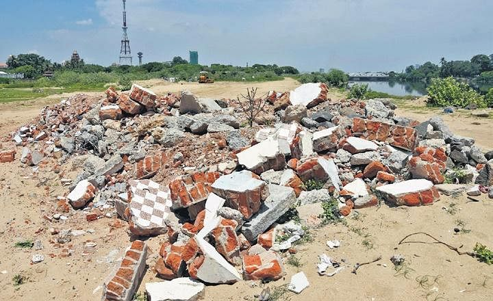 Cooum sand mined illegallyin the heart of Chennai- The New Indian Express, the vie