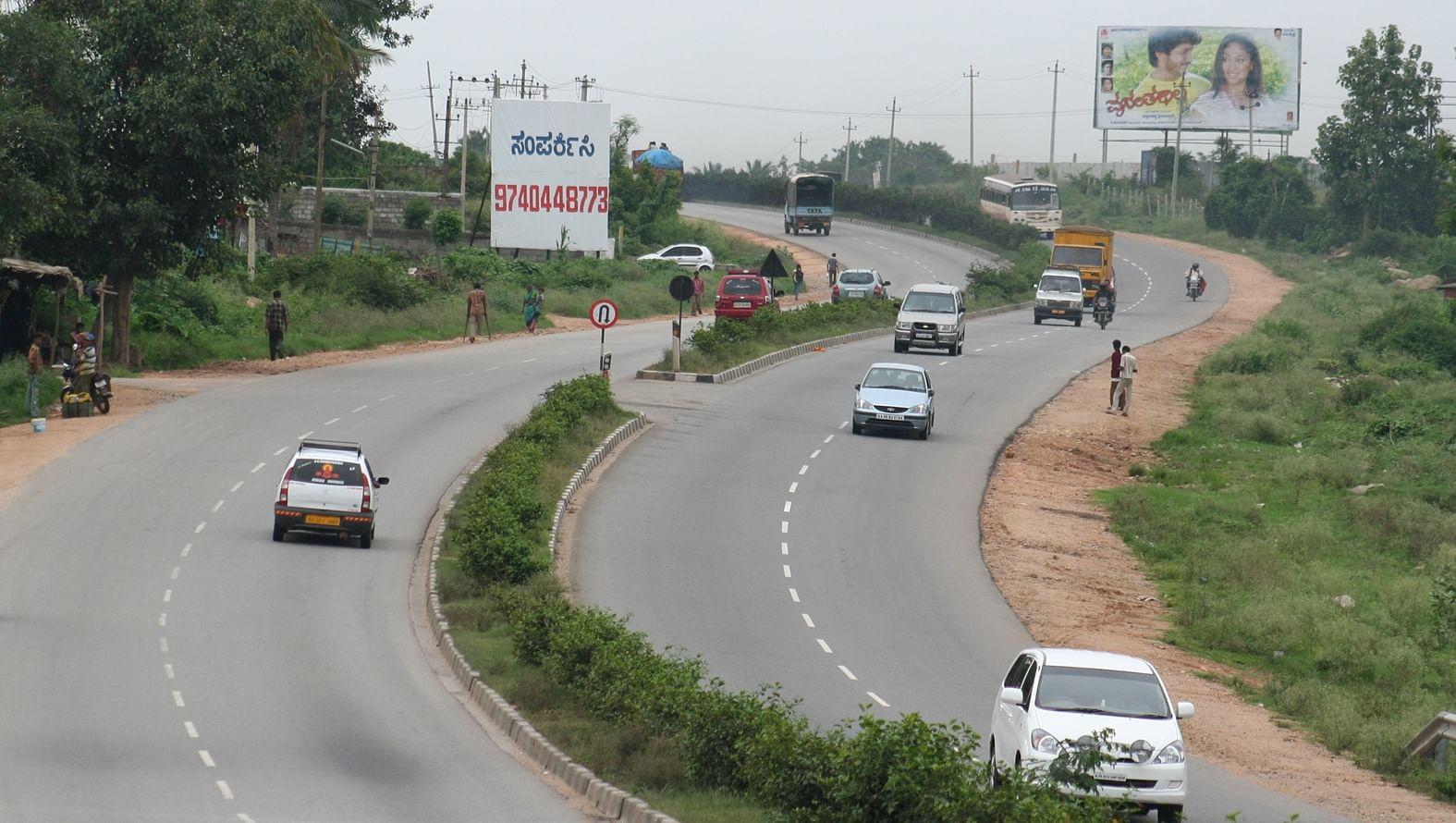 Bangalore_Mysore_road_EPS