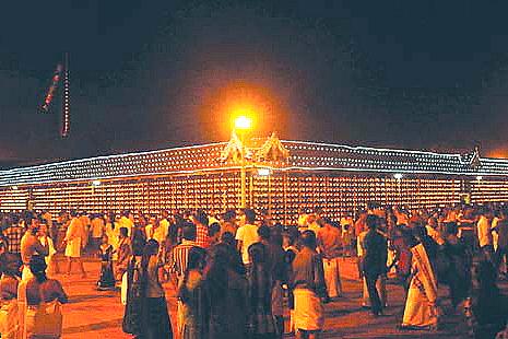 Sree-Poornathrayeesa-Temple