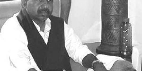 339c44b31304 Grand Plans: MRPS leader Manda Krishna Madiga calling on TRS president K  Chandrasekhara Rao at the latter's residence in Hyderabad on Saturday.