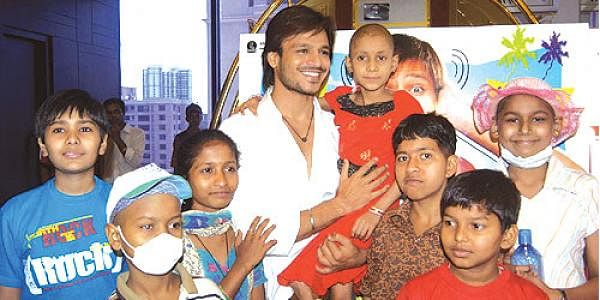 Vivek Oberoi meets cancer patients on birthday- The New Indian Express