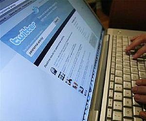 twitter_laptop_reu