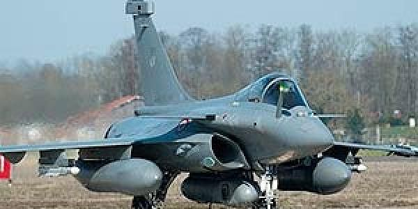 French-Rafale-fighter-AP-L