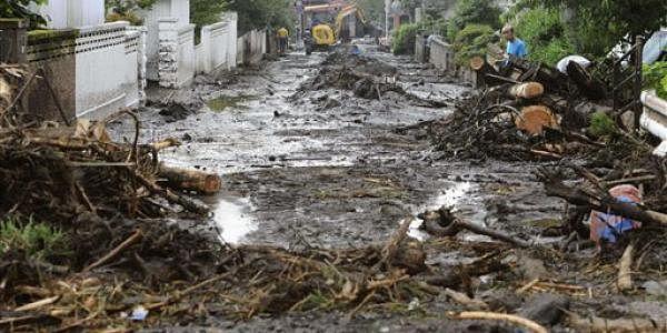 Japanfloods2LL