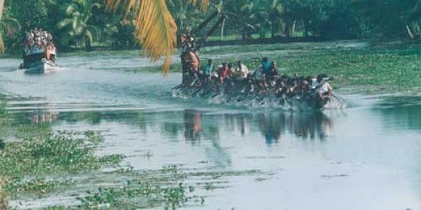 Kumarakom_boat_club_EPS