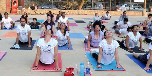 Yoga_EPS