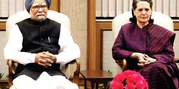 Manmohan-Singh-&--Sonia-Gan