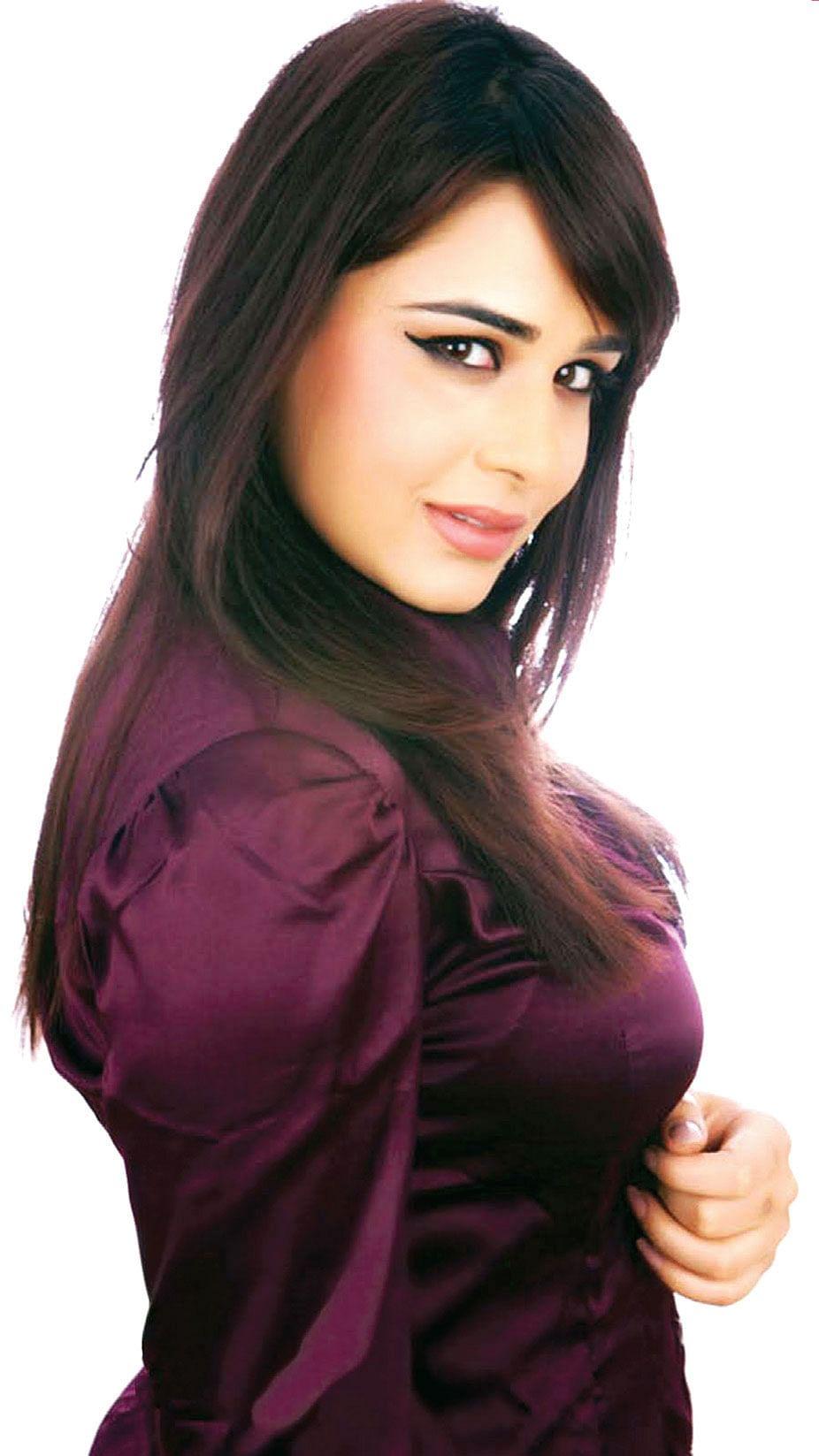 Mandy-Takhar