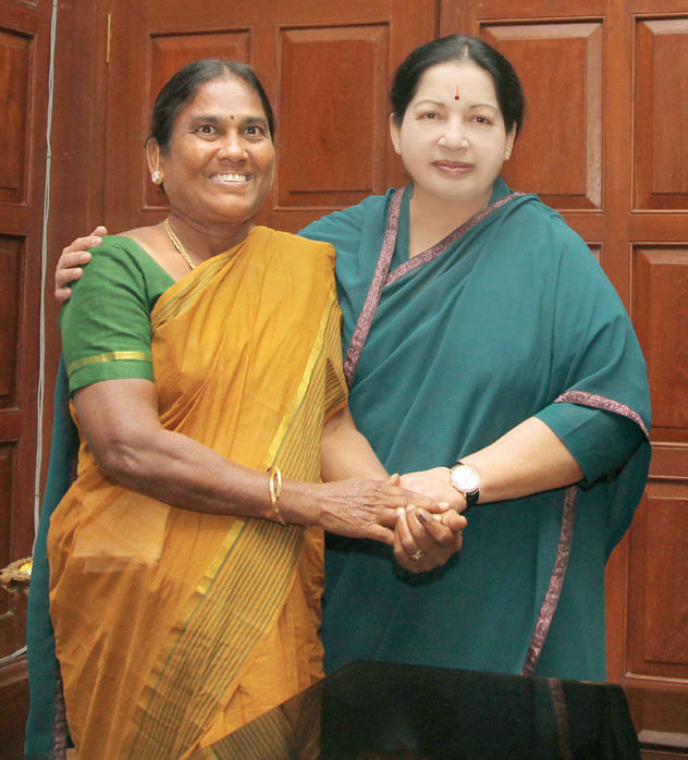 J-Jayalalithaa-congratulate