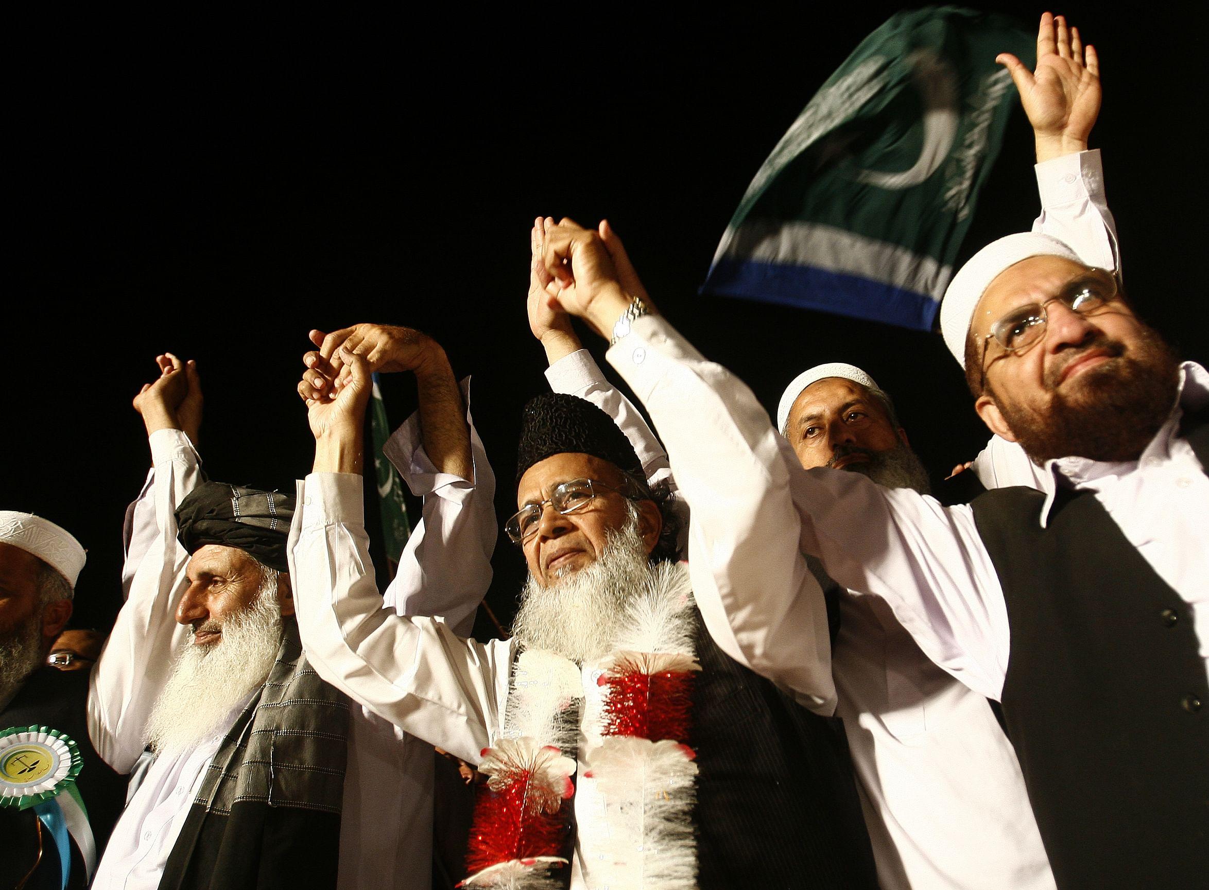 Pakistanpolls6-AP