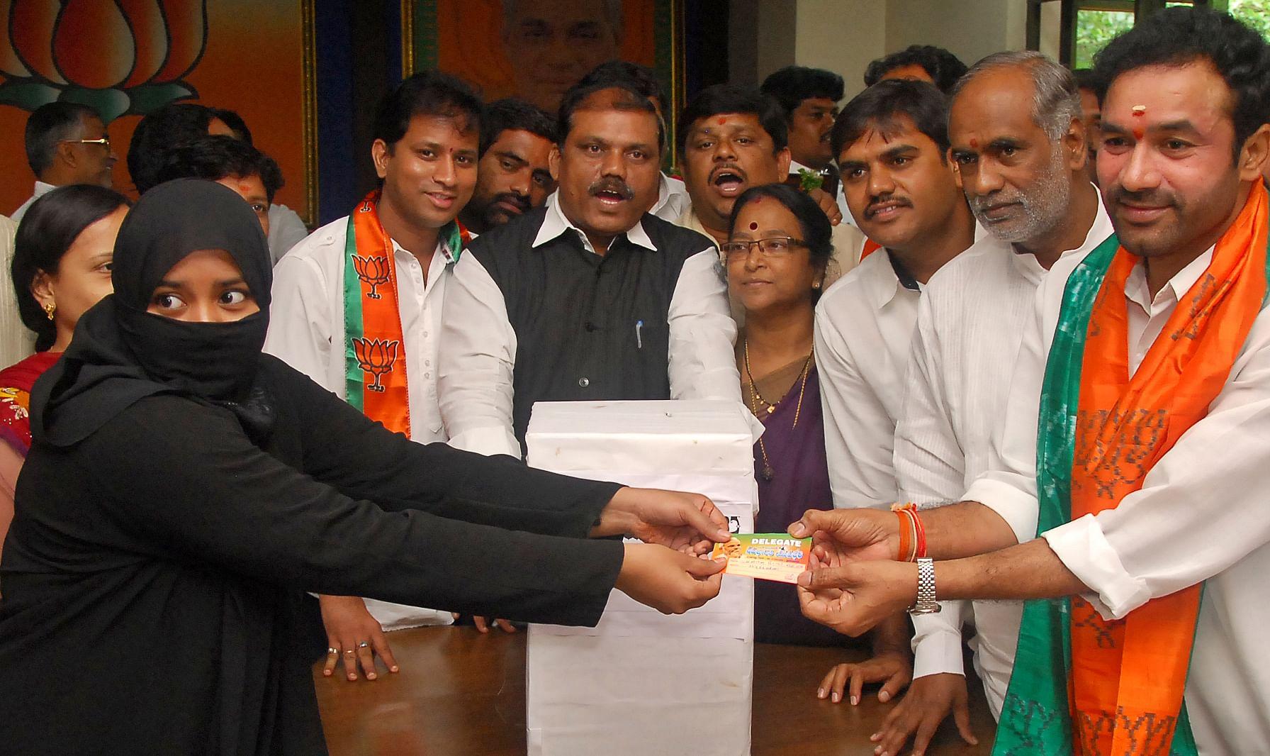 BJP_Meet_modi_EPS