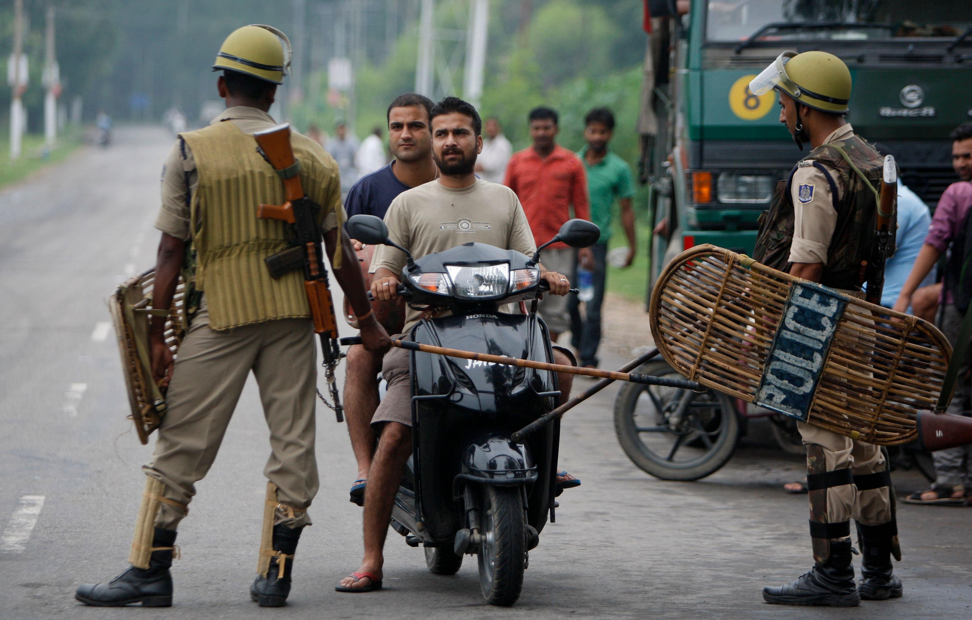 Kashmirclash_AP6