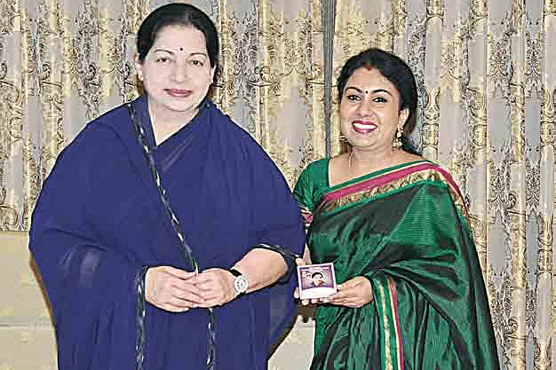 Singer-Anitha-Kuppusamy-wit