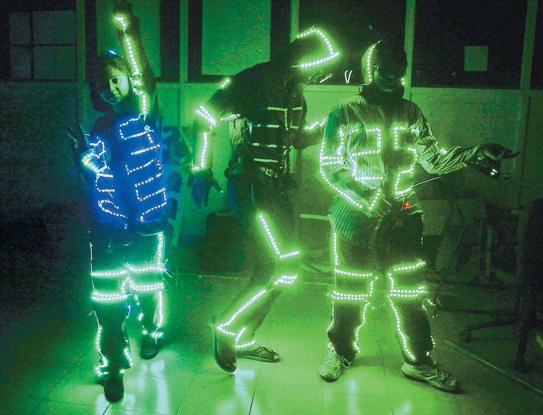 LED-suits