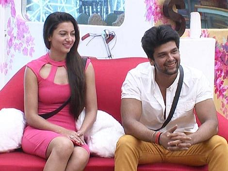 2A5_Gauhar-Khan-Kushal-Tandon-small-screen