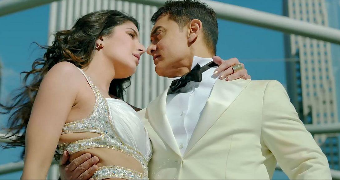 Aamir-Khan-Abhishek-Bachchan-Katrina-Kaif-Uday-Chopra-in-Dhoom-3