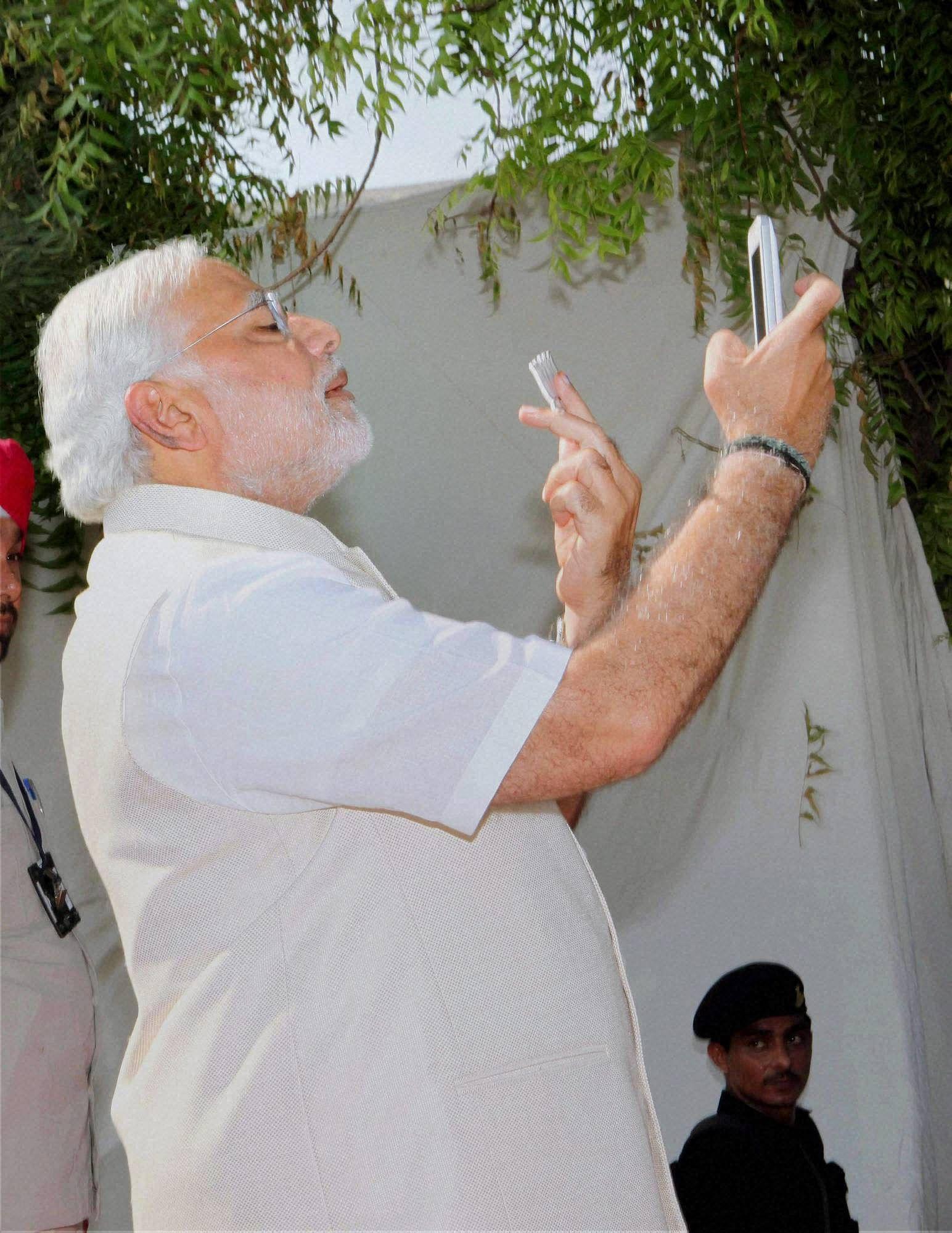 Modi_selfie_PTI