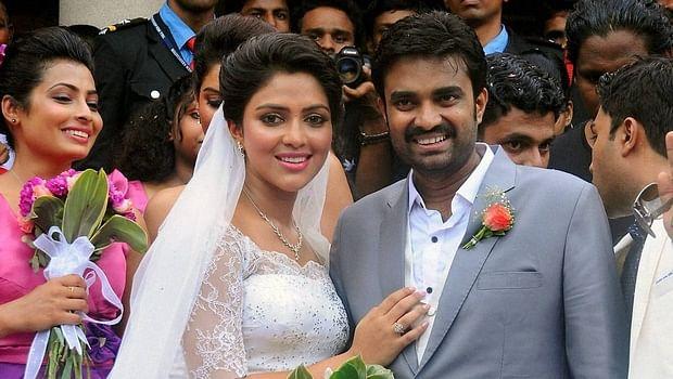 Amala Paul Vijay Seek Divorce By Mutual Consent The New