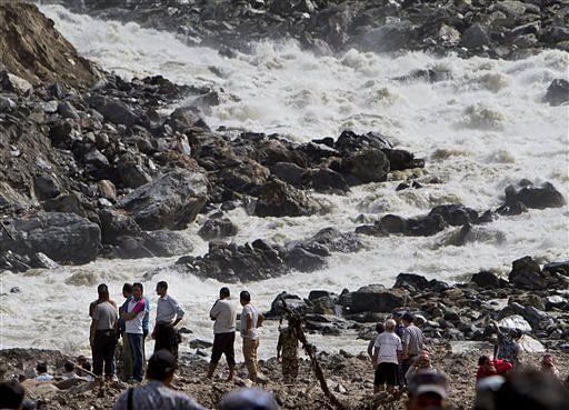Nepal_flood_AP