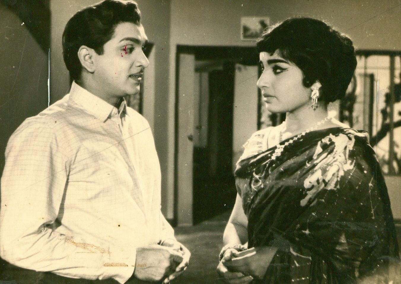 Jayalalithaa-EPS.jpg