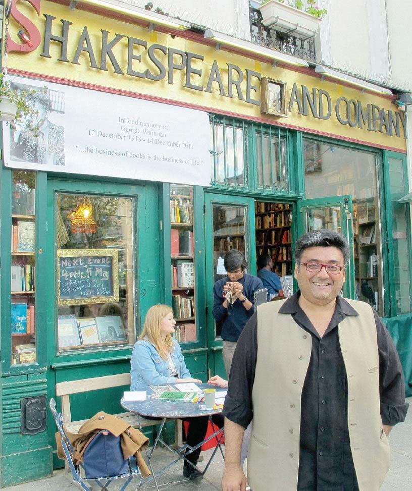 bookstore-in-Paris.jpg