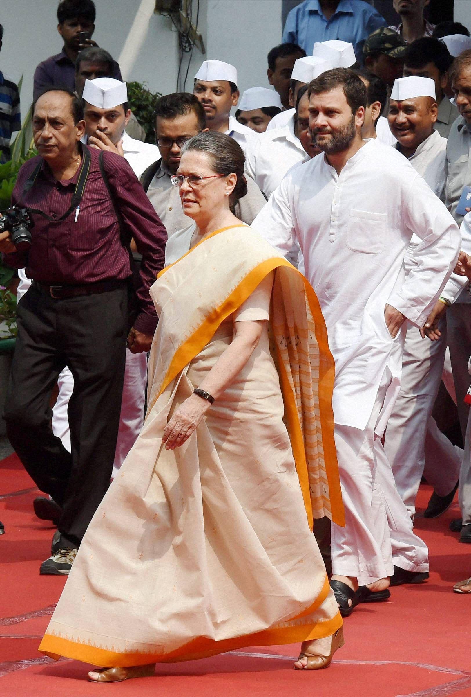Sonia-Rahul-I-Day-PTI