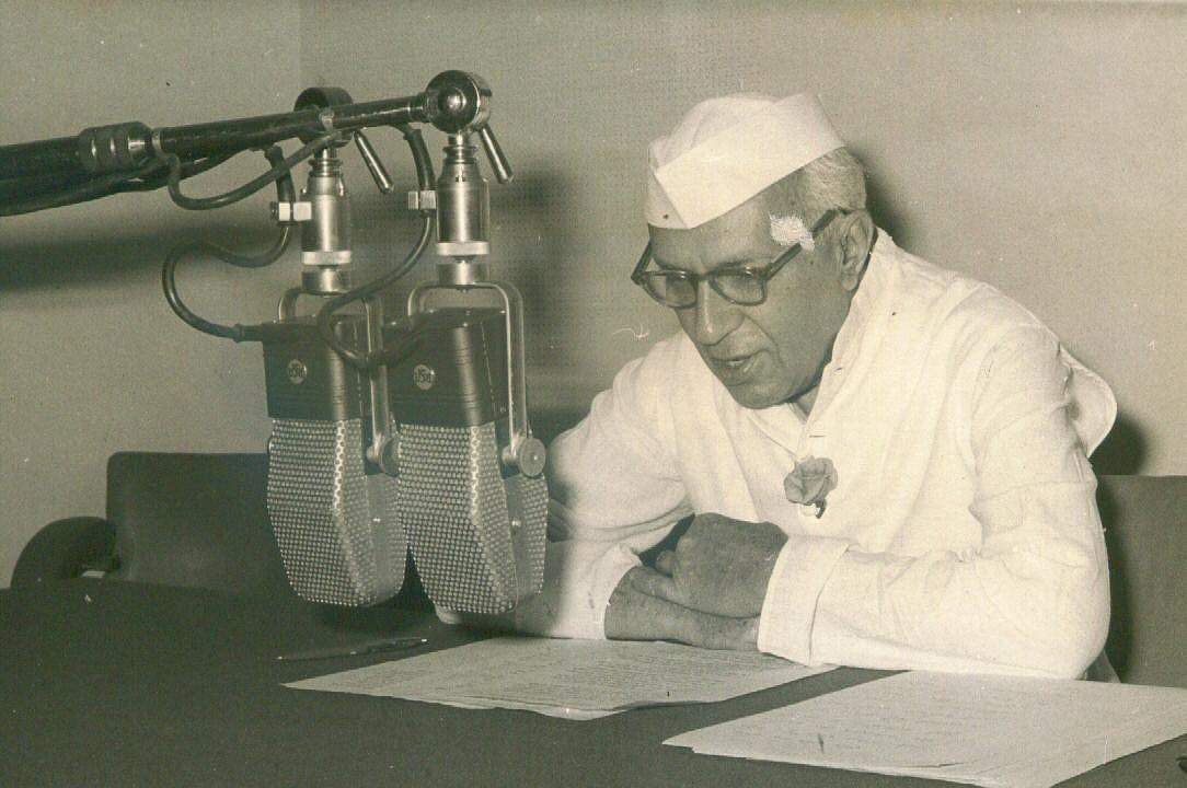 jawaharlal nehru in malayalam Jawaharlal nehru has 76 books on goodreads with 32092 ratings jawaharlal  nehru's most popular book is the discovery of india.