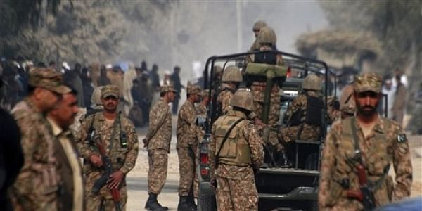 Pakistan army soldiers-AP