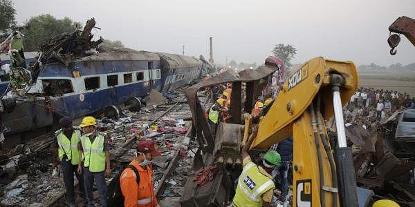 Kanpur train derailment9_AP