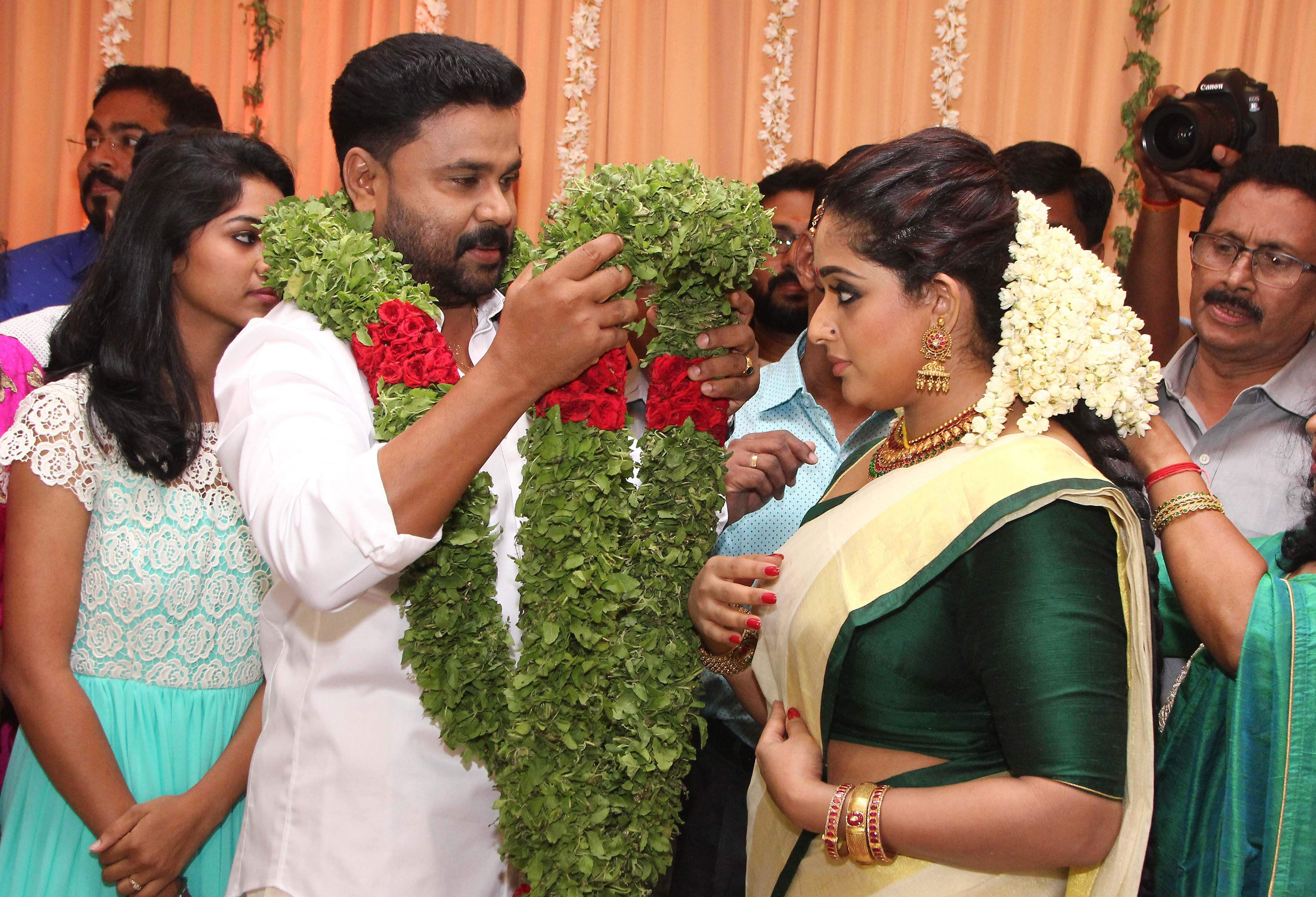 Malayalam Actors Dileep And Kavya Madhavan Got Married In A Star Studded Ceremony Ernakulam On Friday Albin Mathew Eps