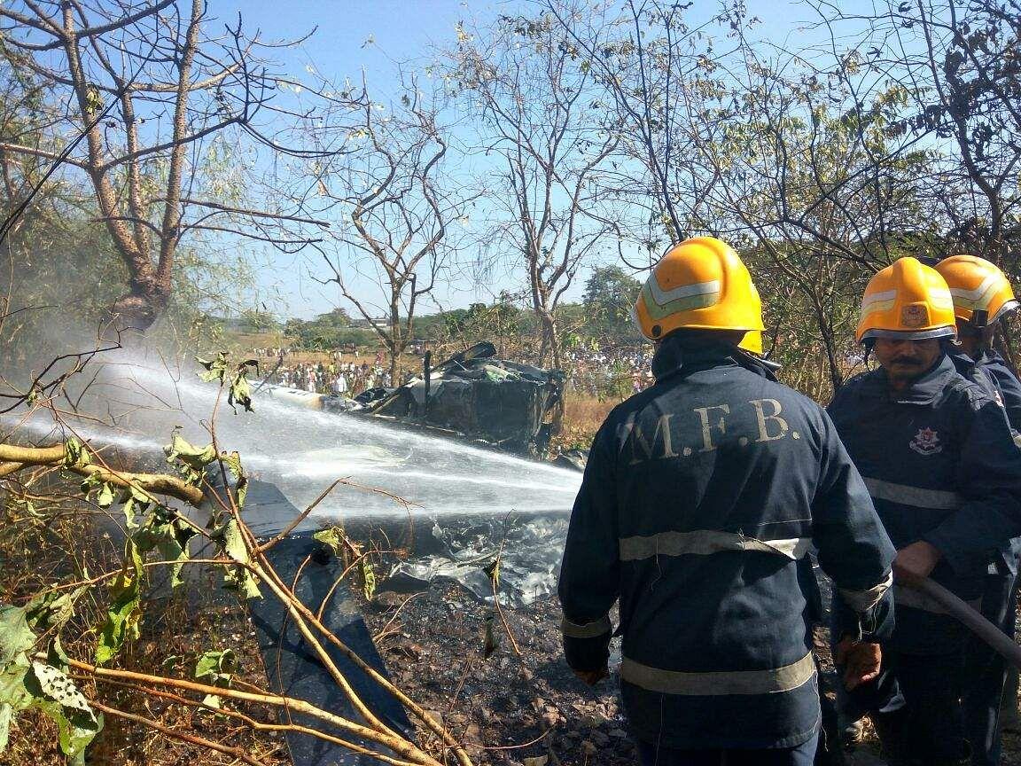 Four injured as chopper crashes in Mumabi