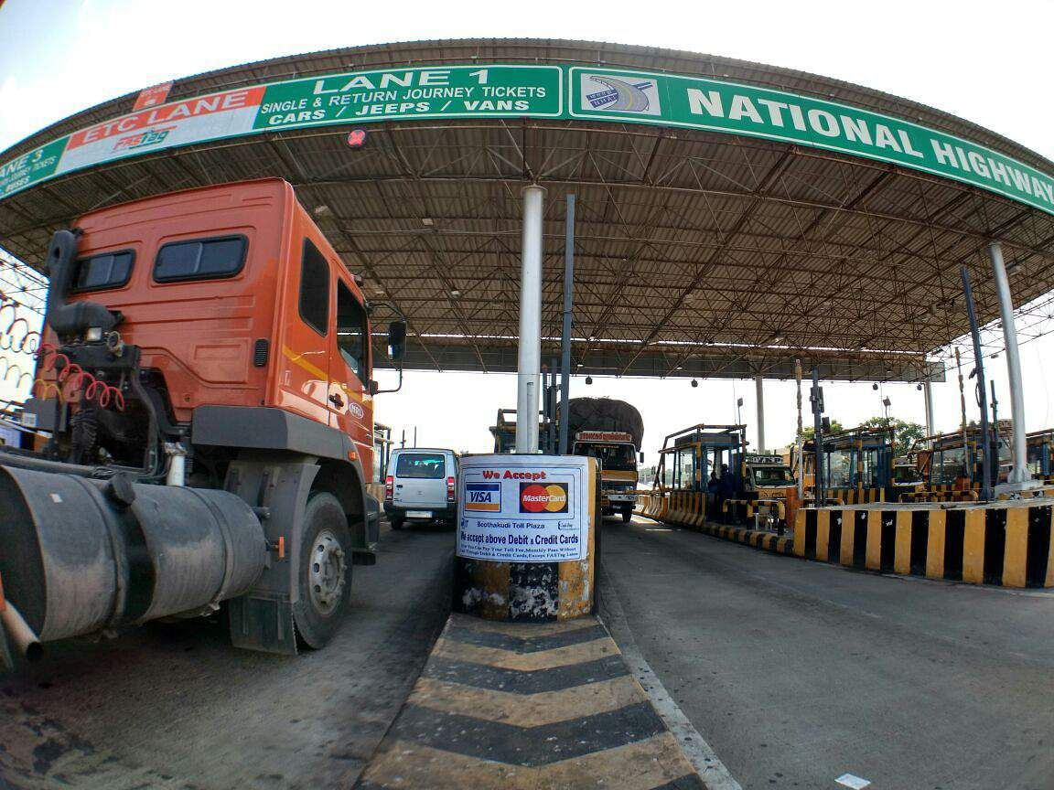 Toll booths across India resume collection after 25 days - The New