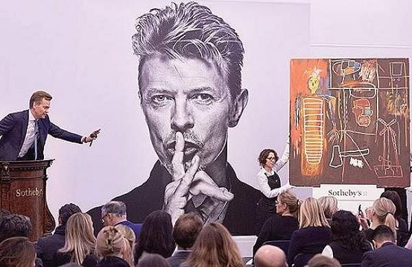David Bowie (Jan 8, 1947 -  Jan 10, 2016) : This legend gave us his final album two days before he died. Beyond the music, Bowie will always be remembered for that trademark lightning bolt painted across his face and a wild sense of androgynous fashion th