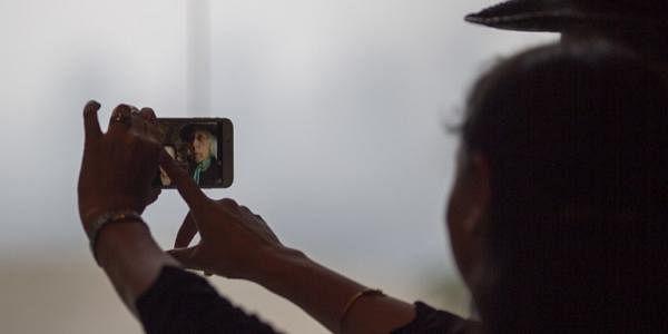 Selfie_AFP