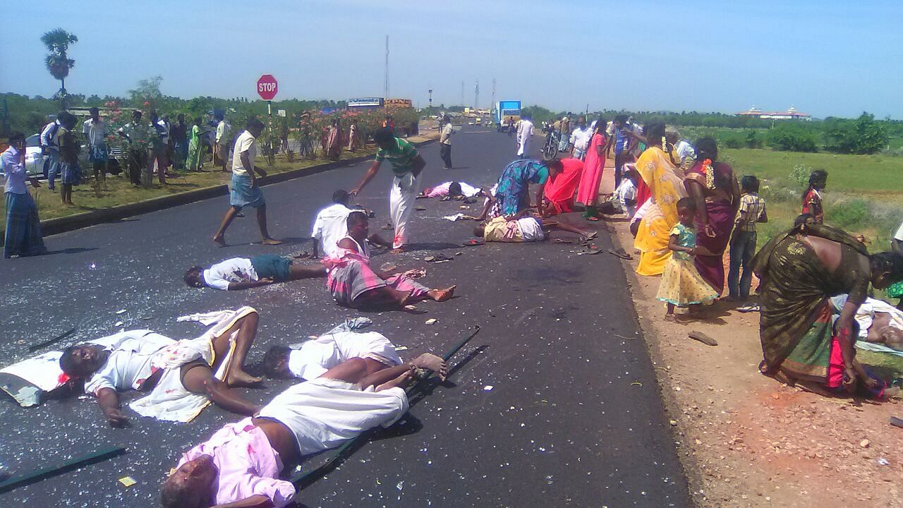 8 Killed and 30 plus injured in road accident near Tiruchy- The New
