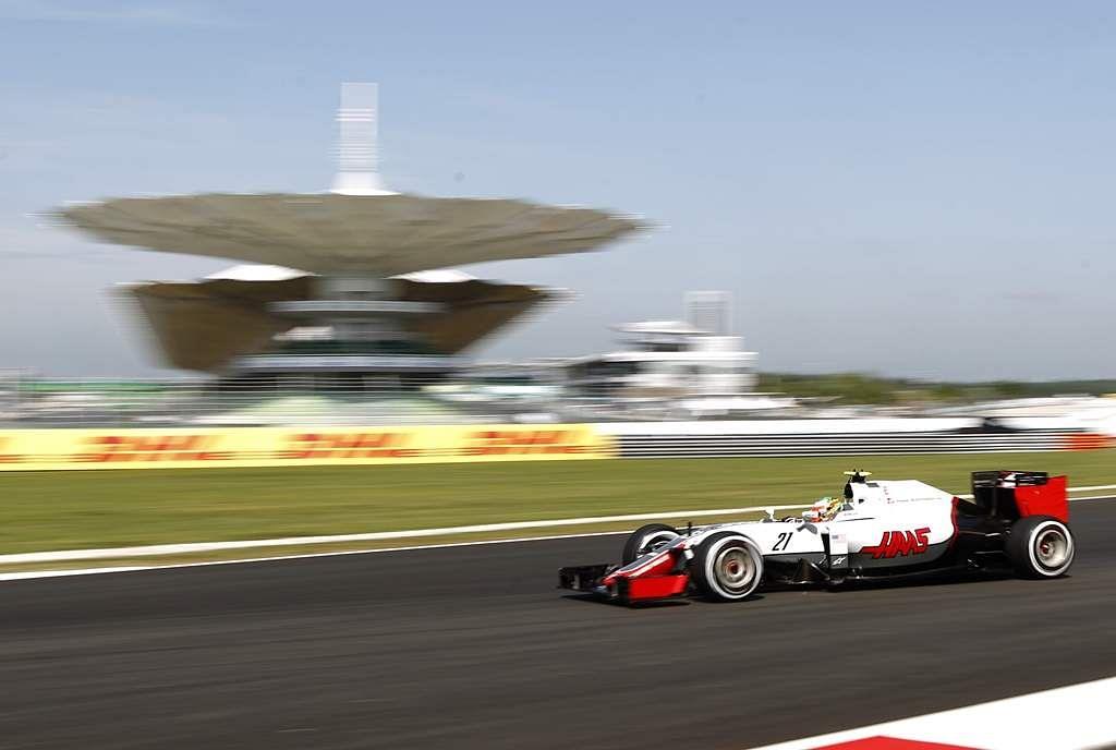 Malaysia_F1_GP_Auto_R_Seng_(11)