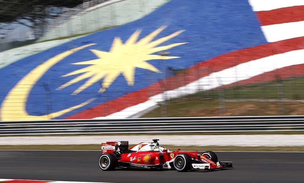 Malaysia_F1_GP_Auto_R_Seng_(10)