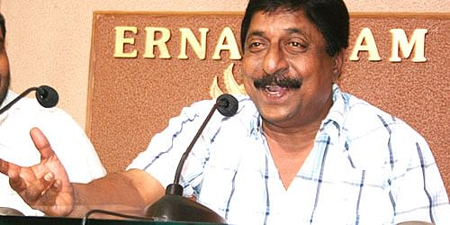 Malayalam Actress Assault and Abduction: Was Sreenivasan house attacked because of Dileep?
