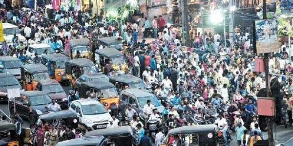 A file picture of huge rush during the Sankranti festival at Jagadamba Market in Visakhapatnam