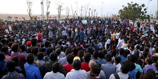 Overnight crowd still protesting in support of Jallikattu at Marina beach in Chennai. (EPS | Sunish P Surendran)