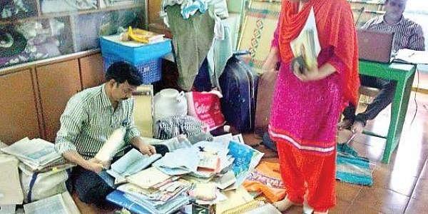 ACB DSP Rama Devi during a raid at DSP D Durga Prasad's residence in Guntur on Wednesday. (Photo |EPS)