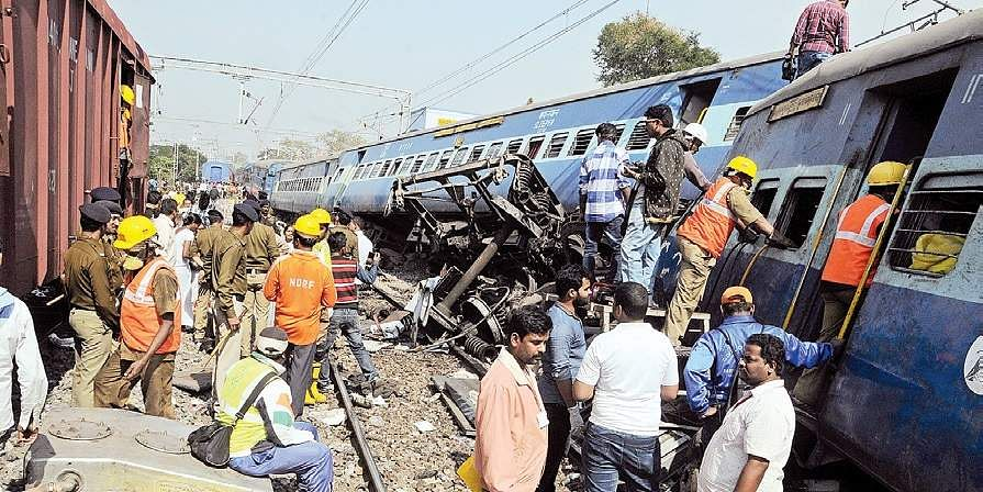 At least 32 dead and 50 injured as train derails in India